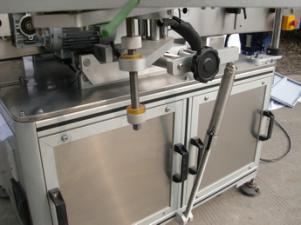 Etichettatrice automatica per bottiglie rotonde per colla non secca, etichettatrice per imballaggi in legno / esportazione per CE