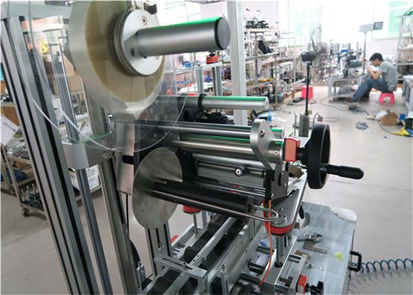 Applicatore di etichette per superficie piana per etichettatrice automatica superiore con nastro trasportatore / attrezzatura per etichettatura superiore
