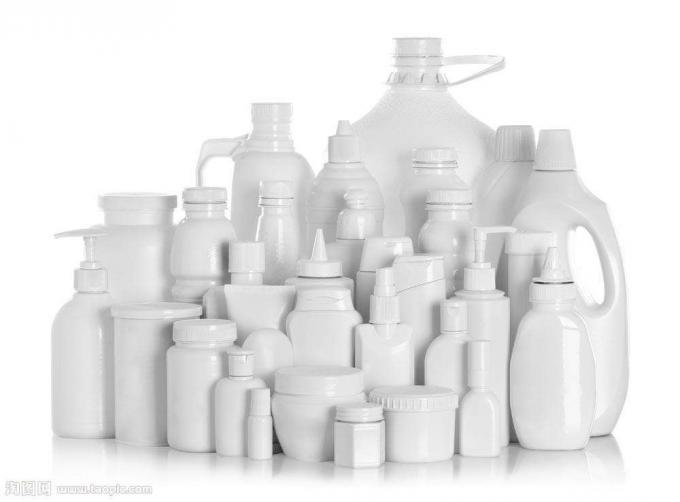 Etichettatrice per bottiglie di plastica per prodotti chimici, PLC e sistema di controllo touch screen