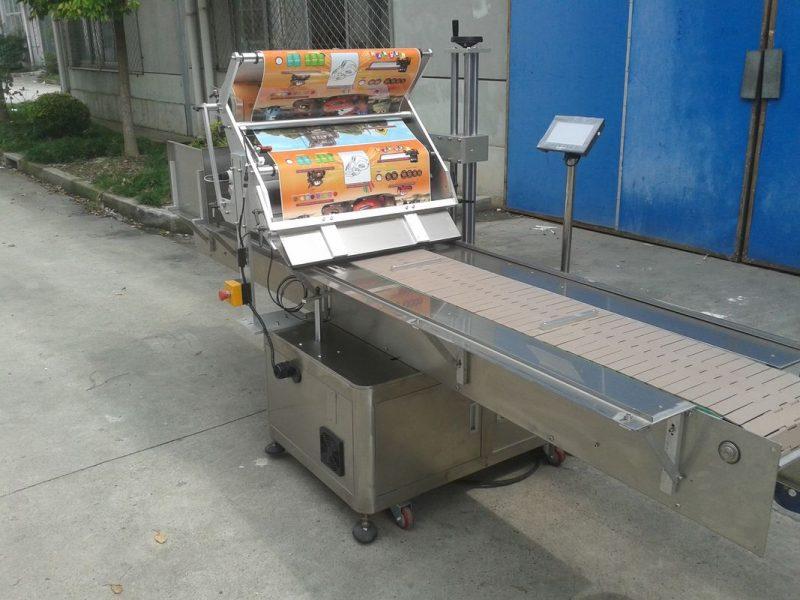 Cina Applicatore di etichette per superfici piatte con adesivo autoadesivo da tavolo con fornitore di oggetti per l'alimentazione del cercapersone