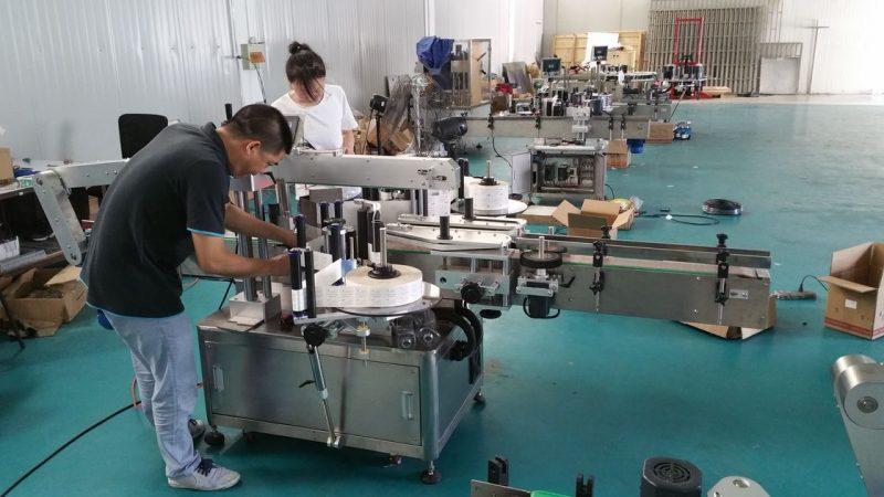 Etichettatrice per bottiglie d'acqua personalizzata in Cina, etichettatrice automatica da banco per fornitore a doppio lato