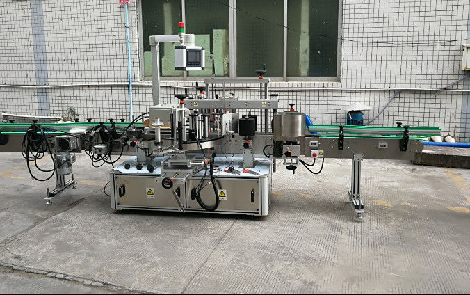 Etichettatrice adesiva automatica su due lati con servomotore
